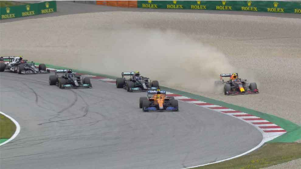 GP Austria F1 2021: Checo Pérez termina en la grava tras protagonizar  incidente con Lando Norris | Marca