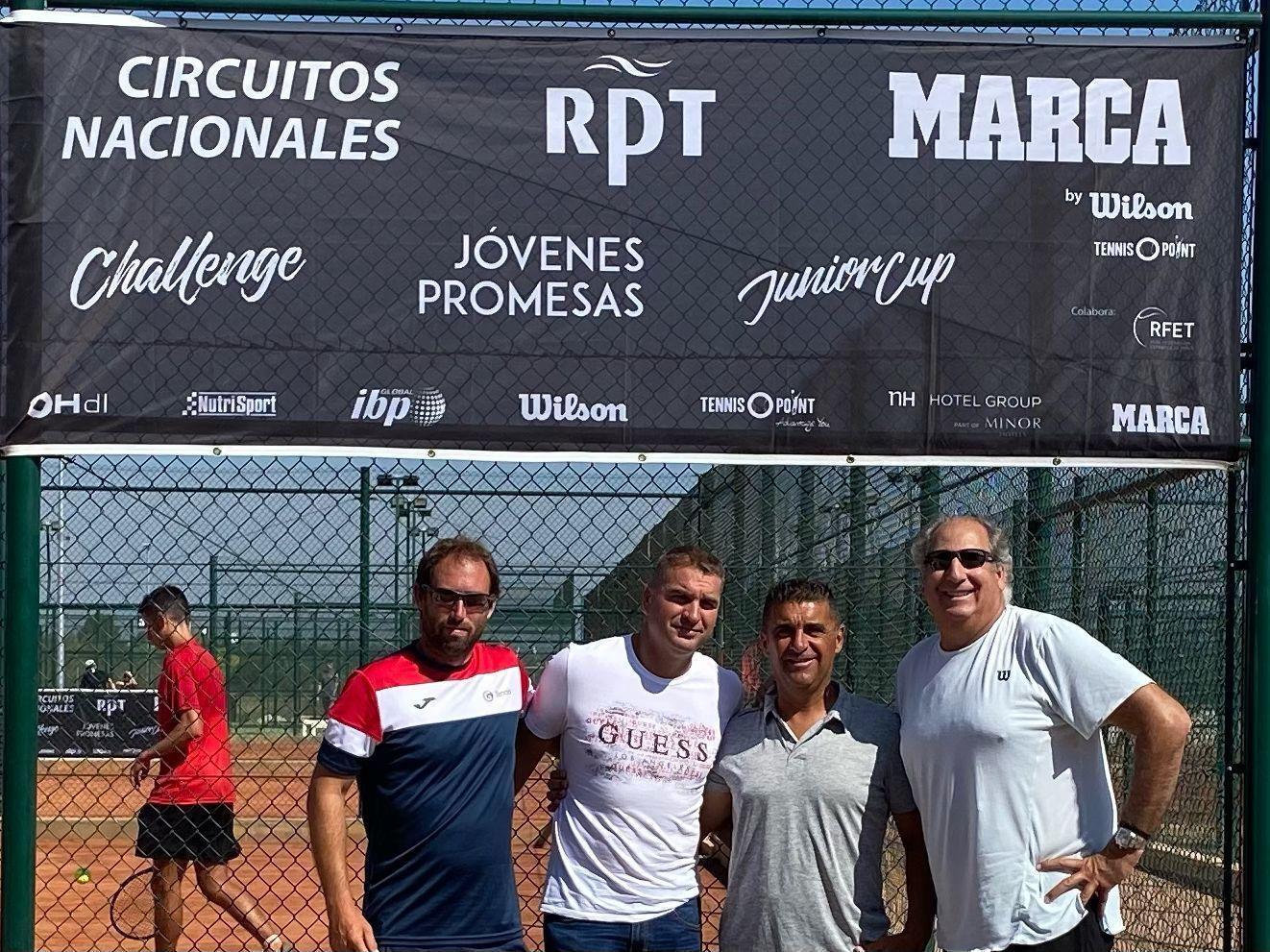 Organización: Sergio Gallego, Jorge Garcia, Luis Mediero y Luis Miguel juez árbitro, de izq a derecha