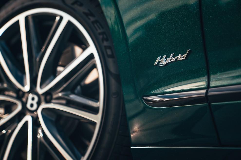 Bentley Flying Spur Hybrid - híbrido - limusina - seis cilindros - V6 - lujo