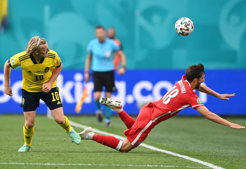 Forsberg anotando el segundo gol más rápido de las Eurocopas ante Polonia.