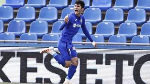 Aleñá celebra un gol la pasada temporada con el Getafe