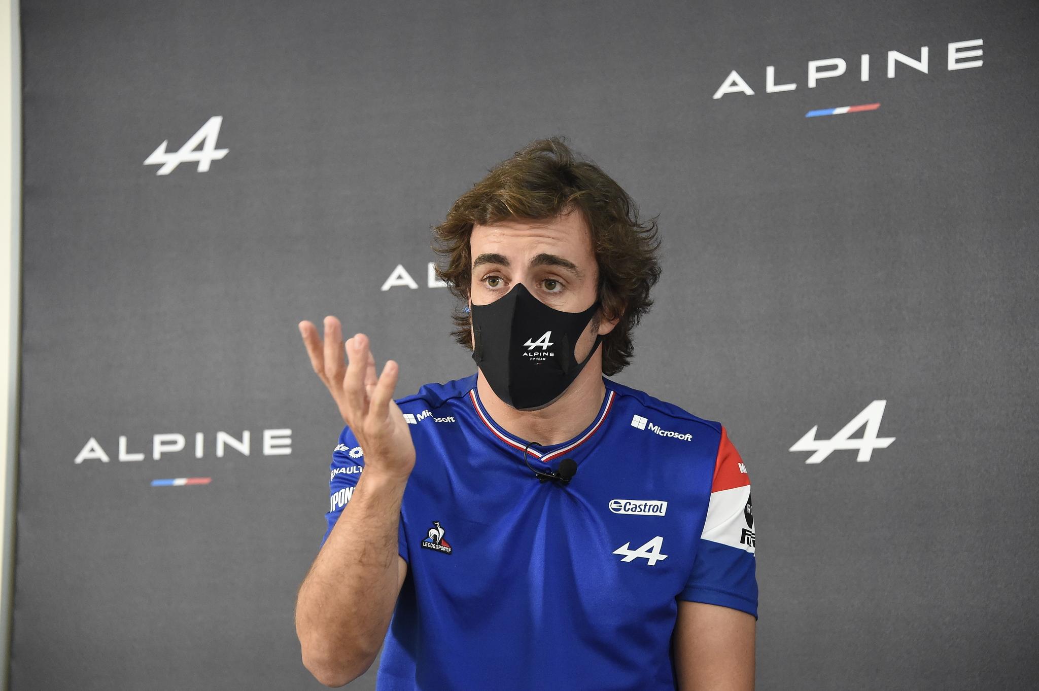 Fernando lt;HIT gt;Alonso lt;/HIT gt; en evento Alpine en Barcelona 2021
