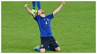 Jorginho celebra la victoria ante Austria.