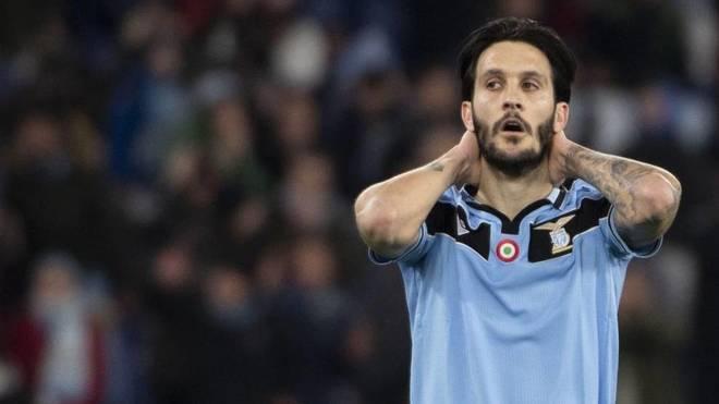 Luis Alberto lamentándose de una ocasión con la Lazio.