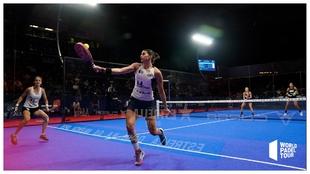 Delfi Brea y Tamara Icardo en primer plano, durante la final en...