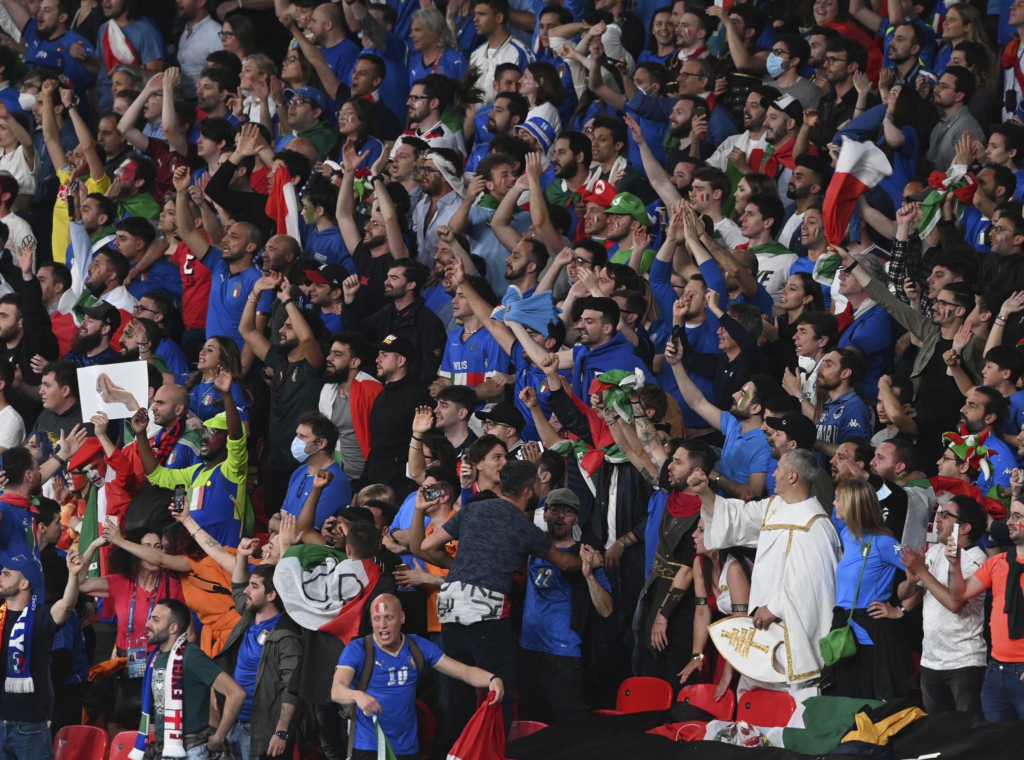 Aficionados italianos en Wembley.