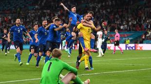 Gianluigi Donnarumma fue la figura de Italia al atajar dos penaltis en...