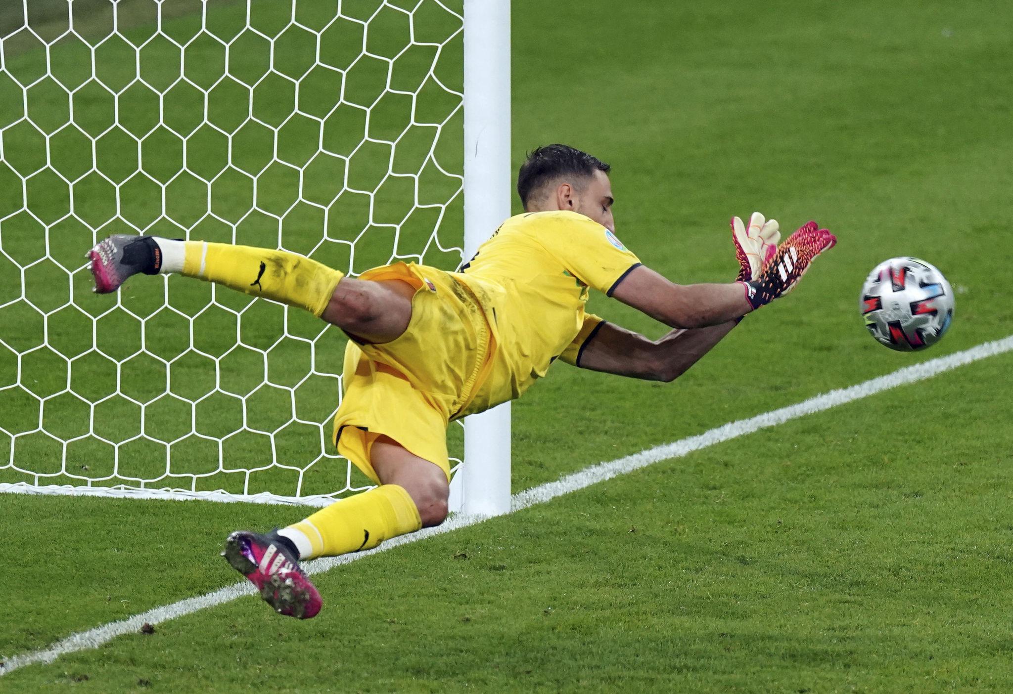 Gianluigi Donnarumma saves Bukayo Saka's penalty