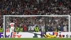 Donnarumma deteniendo el penalti definitivo a Saka.