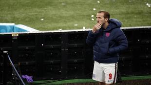 Harry Kane (27) desolado tras perder la final de la Eurocopa ante...