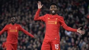 Daniel Sturridge festejando un gol en el Liverpool con su mítico...
