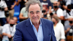 Oliver Stone en el Festival de Cannes 2021.