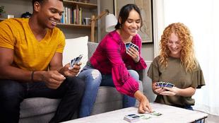 El juego de cartas Dos y otras ofertas que puedes encontrar en Amazon.