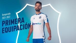La nueva equipación del CD Tenerife para la temporada 2021-2022