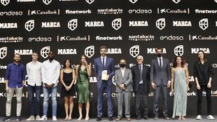 La foto de familia con todos los premiados junto a Juan Ignacio...
