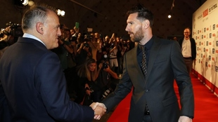 """""""No haré la vista gorda con el límite salarial para inscribir a Messi"""""""