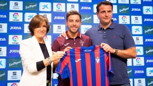Franchu, presentado como nuevo jugador del Eibar.
