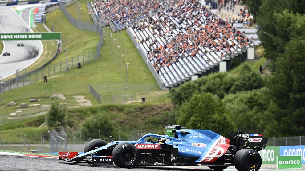Alonso prueba las nuevas ruedas de Pirelli en el pasado GP de Austria.