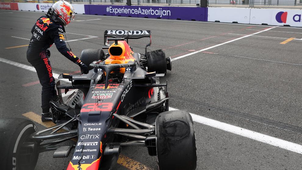 Verstappen, tras el K.O. en Baku.