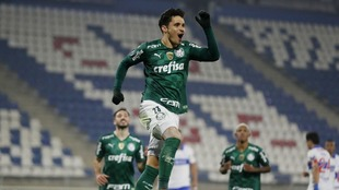 Palmeiras le gana la ida a la Católica.