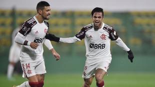 Flamengo toma ventaja.