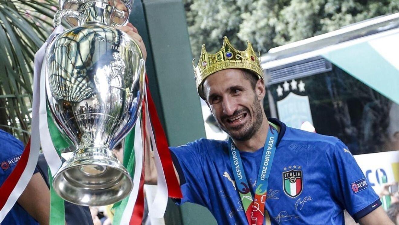 Chiellini, campeón de la Eurocopa, se encuentra libre.