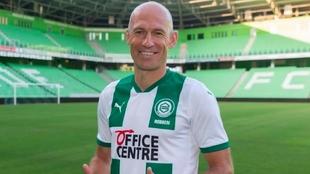 Robben retires