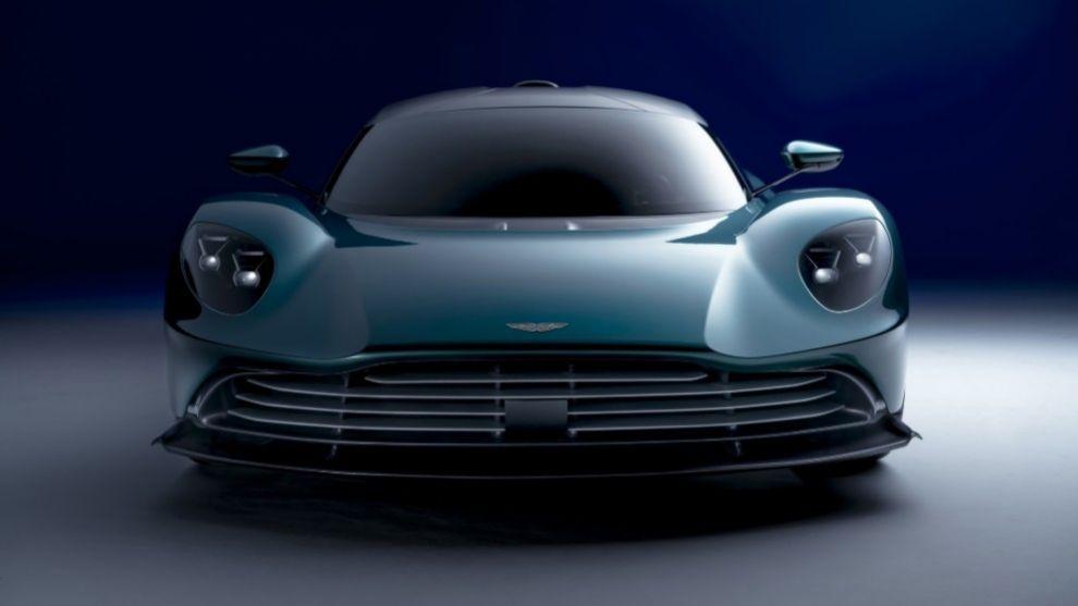 Aston Martin Valhalla 2022 - deportivo híbrido - modelo de producción - Valkyrie
