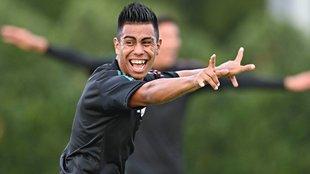 Efrain Alvarez se queda en el Galaxy de la MLS