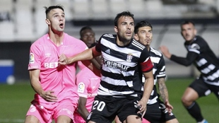 Carlos David (35) en un partido con el Cartagena.