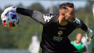 Ian Mackay ya se ejercita con el Deportivo.