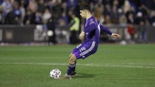 Aguado, con el balón, durante un partido.