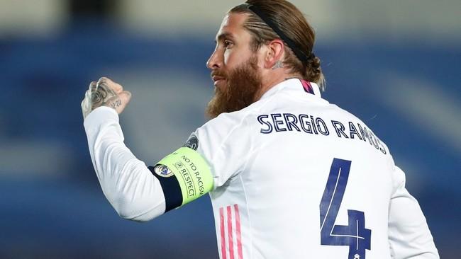 Ramos celebra un gol con el Madrid