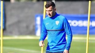 Borja García, en un entrenamiento con el Huesca.