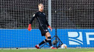 Alex Remiro, durante el partido amistoso contra el Huesca.