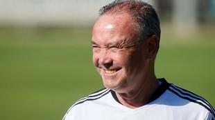 Juan Ignacio Martínez sonríe en un entrenamiento.