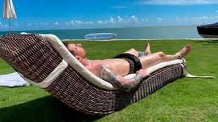 Leo Messi descansando bajo el sol de Miami.
