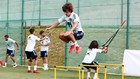Bryan Gil salta en un entrenamiento con la selección.