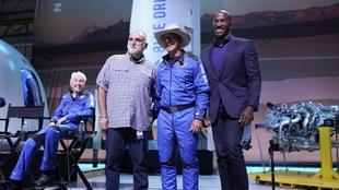 Jeff Bezo en el lanzamiento de Blue Origin.