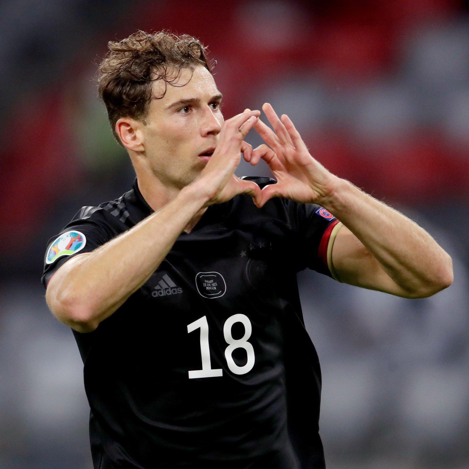 Goretka celebra un gol con Alemania en la Euro.