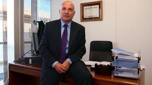 López Nieto posa en su despacho para MARCA.