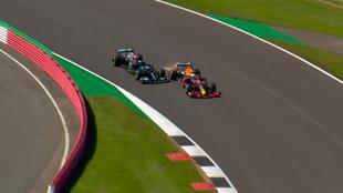 Verstappen y Hamilton, en el momento del choque del pasado GP de Gran...