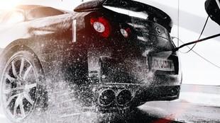 Después de lavar el coche, conviene secarlo con cuidado aunque sea a...