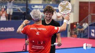 Miguel Yanguas y Miguel Lamperti celebran la victoria.