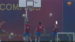Memphis, Griezmann and Pique shine in Barcelona training session