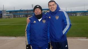 Russo y Riquelme, con los colores de Boca.