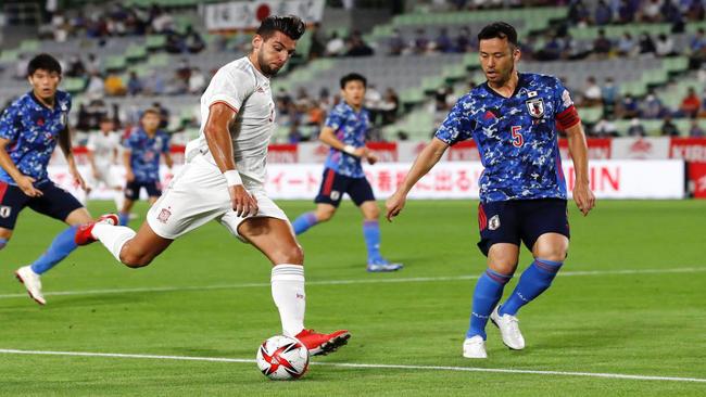 Rafa Mir durante el partido de España ante Japón.