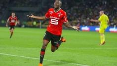 Léa Siliki celebra un gol con el Stade de Rennes