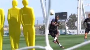 El Real Madrid ya tiene nuevo lanzador de faltas... ¡menudos golazos de Alaba!