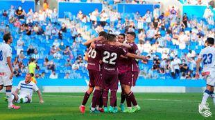 Los jugadores realistas celebran uno de sus tres goles al Deportivo...